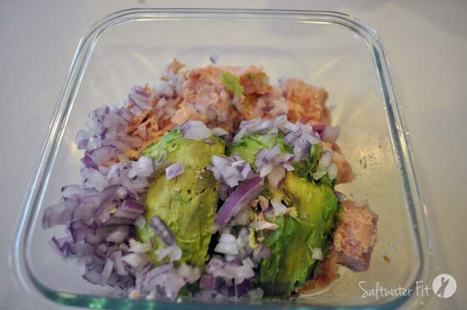 tuna-salad-avocado-onions