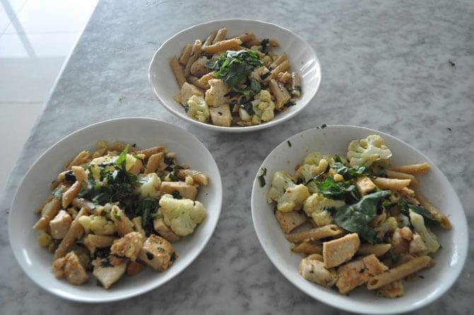 penne-pasta-chicken-veggies
