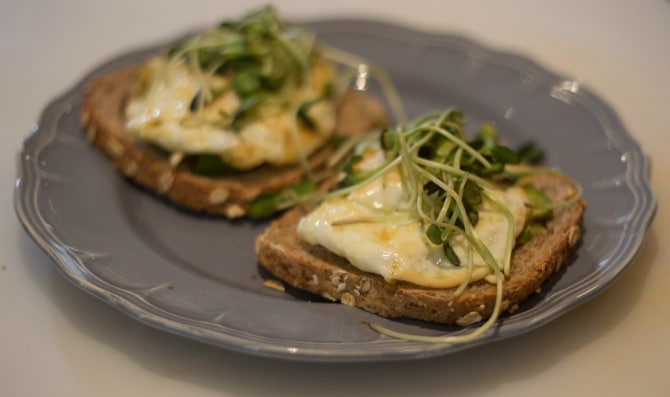 egg-avocado-toast